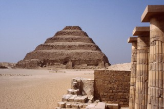 pyramids_saqqara1.jpg