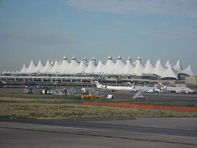 SEAZDay1DenverAirport+LIBERA+TU+MENTE.jpg