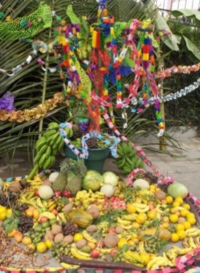 cruz+de+mayo+Guatemala.jpg