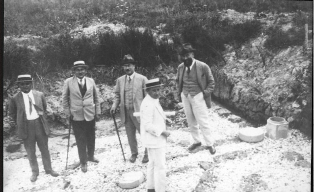 Men_of_Palestine_Jewish_Colonization_Association_in_the_Kabara_Swamps.jpeg